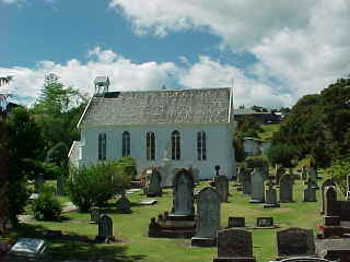 Graveyard and Church in Russell, Northland, New Zealand (New Zealand, The Travel Addicts, North Island)