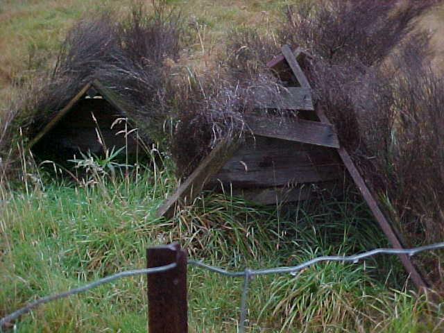 Small A-frame shelters (New Zealand, The Travel Addicts, South Island)