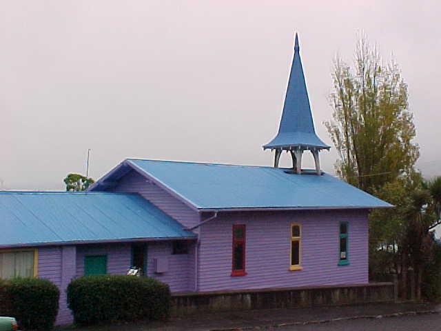 Purple church (New Zealand, The Travel Addicts, South Island)