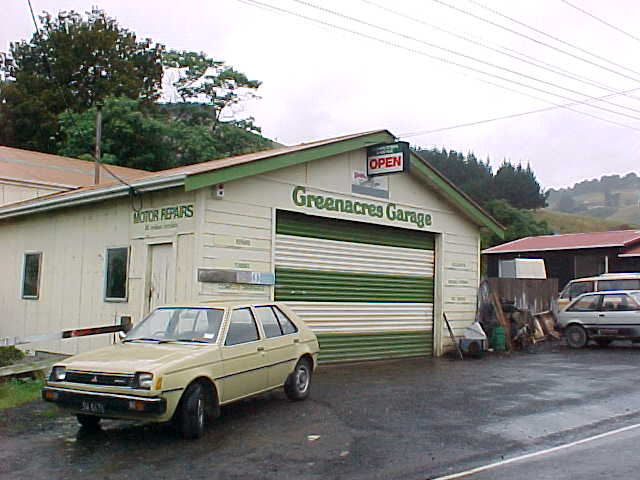 The Green Acres Garage (New Zealand, The Travel Addicts, South Island)