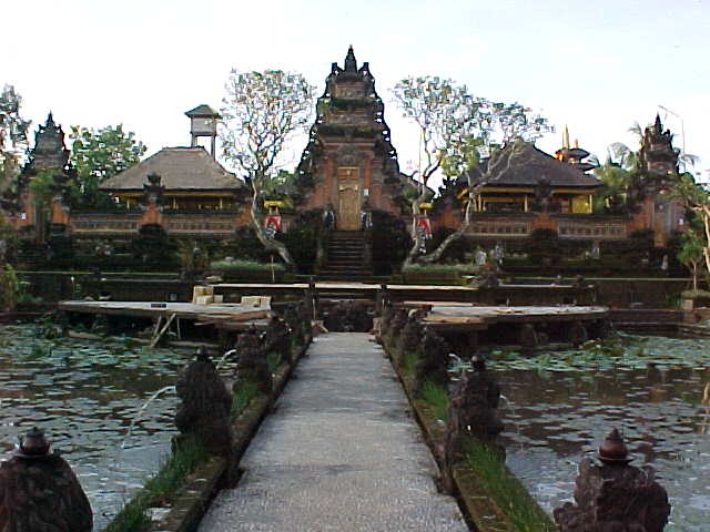 Walkway over the pond at the Palace restaurant in Ubud, Bali