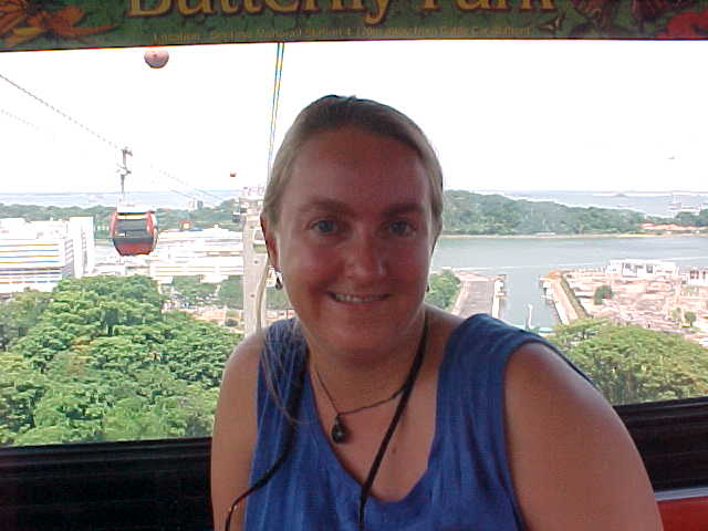 SGK in the cable car from Mt. Faber to Sentosa Island (Singapore, The Travel Addicts)