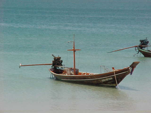 Long tail boat :  (Thailand, The Travel Addicts)