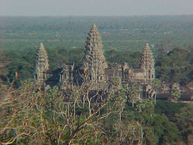 The legendary Angkor Wat from Phnom Bakeng just before sunset :  (Cambodia, The Travel Addicts)