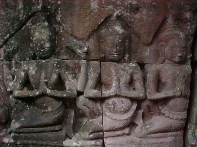 Bas reliefs :  (Cambodia, The Travel Addicts)