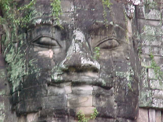 Vishnu's face at the Victory gate (Cambodia, The Travel Addicts)