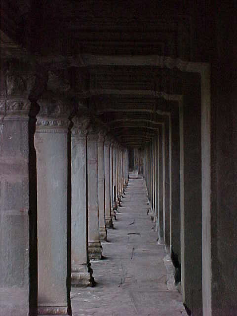 Hallway in Angkor Wat :  (Cambodia, The Travel Addicts)