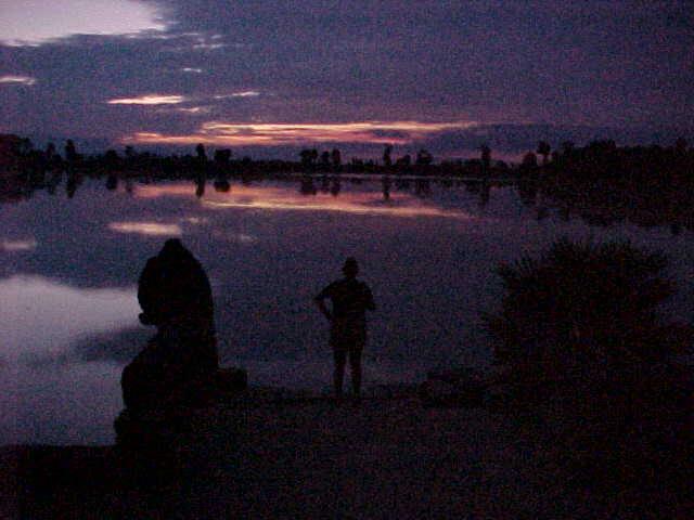Sunrise (Cambodia, The Travel Addicts)