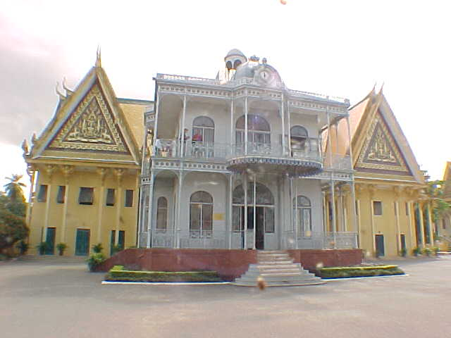 Museam (Cambodia, The Travel Addicts)