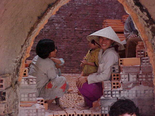 Terracotta kiln (Vietnam, The Travel Addicts)