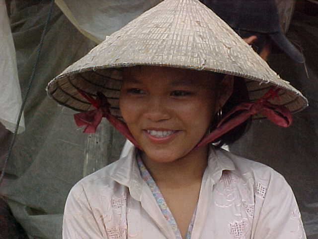 Smiles (Vietnam, The Travel Addicts)