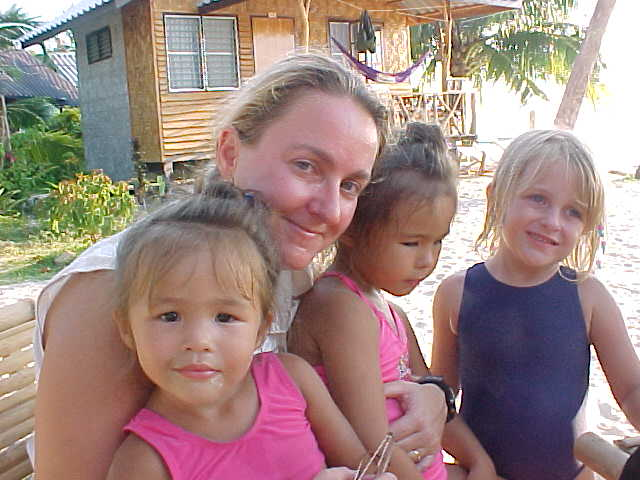 SGK the babysitter :  (Thailand, The Travel Addicts)