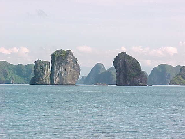 Karst landscape typical of Ha Long Bay :  (The Travel Addicts, Vietnam)