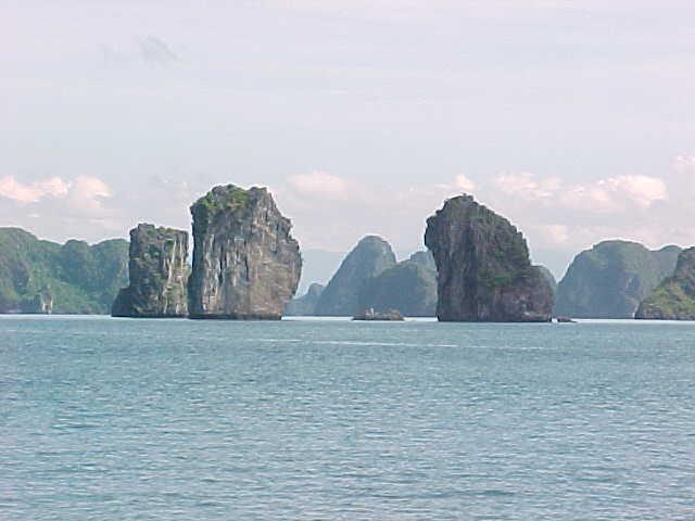 Karst landscape typical of Ha Long Bay :  (The Travel Addicts, Vietnam)