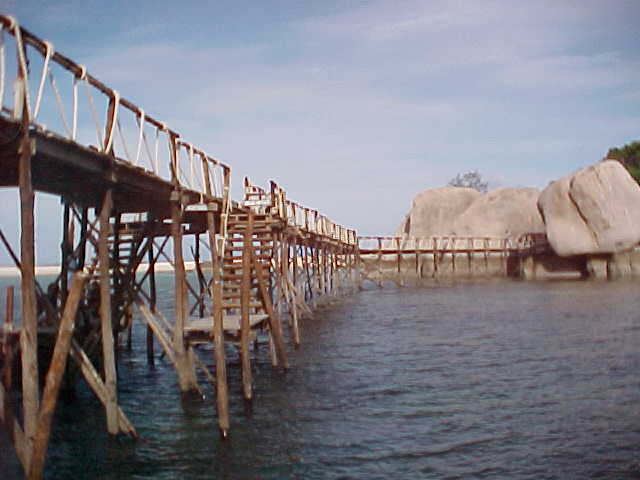 The Dock : This was te only way on or off the island group - your water taxi docked here. (The Travel Addicts, Thailand)