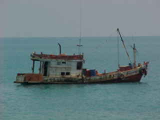 Fishing boat (The Travel Addicts, Thailand)