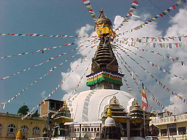 Mini Swayambhunath pagoda (Nepal, The Travel Addicts)
