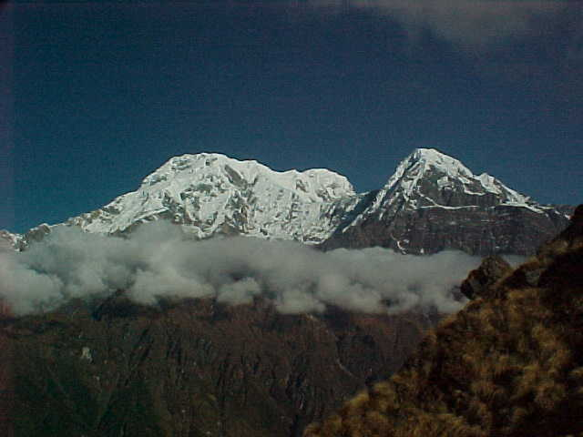 Annapurna South and Hinchuli from Mardi Himal summit (Nepal, The Travel Addicts)