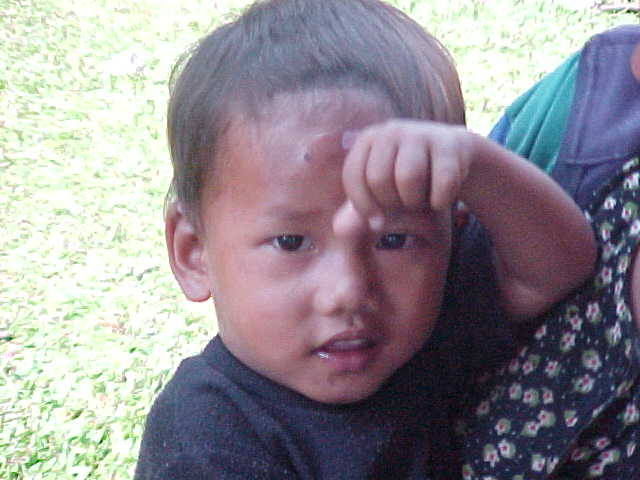 Different little boy (Nepal, The Travel Addicts)