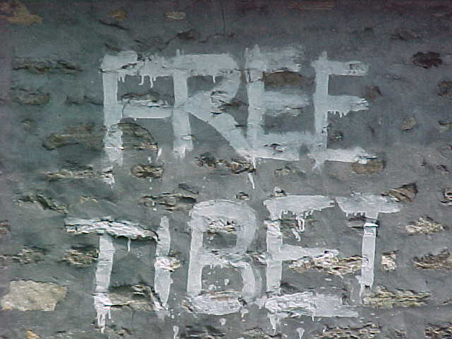 Grafitti : Reads: Free Tibet (Nepal, The Travel Addicts)