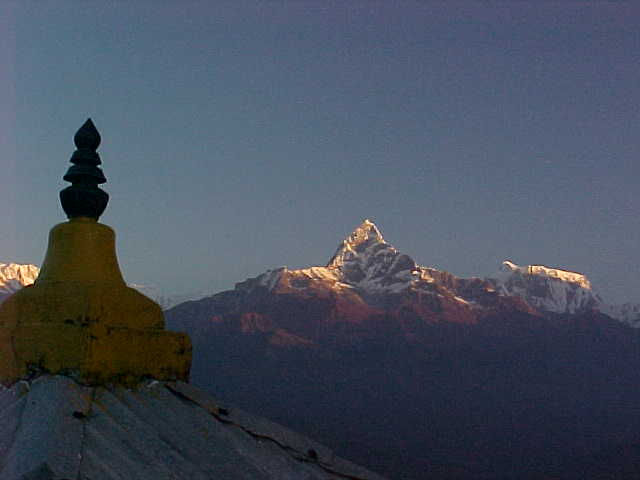 Machupuchare, stupa and Annapurna VII (Nepal, The Travel Addicts)