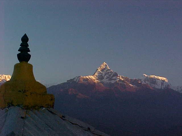 Machupuchare, stupa and Annapurna VII (Nepal, The Travel Addicts)