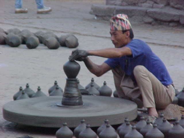 Potters wheel (Nepal, The Travel Addicts)