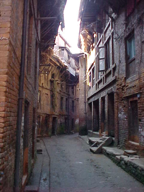 Alleyway (Nepal, The Travel Addicts)