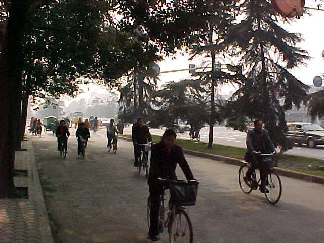 MVC-162S-Street scene. , Chengdu, Sichuan Sheng, China (成都, 四川省, 中国) (The Travel Addicts, China)