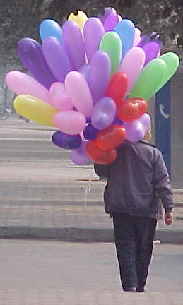 MVC-163S-Balloon merchant. , Chengdu, Sichuan Sheng, China (成都, 四川省, 中国) (The Travel Addicts, China)